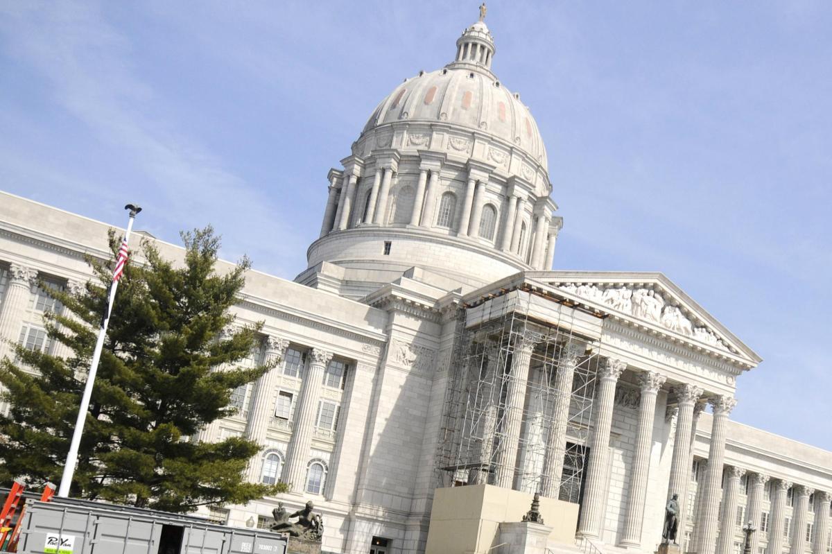 Can Missouri elect a centrist senator?